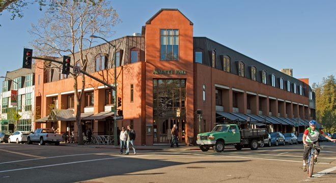 rockridge-market-hall-external-1